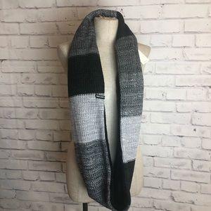 NEW Infinity gray black reversible scarf